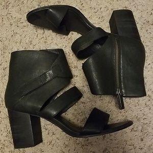 Eileen Fisher cute stacked heel